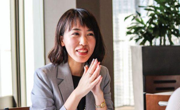 新日本製薬 株式会社 広報・PR室  アシスタントマネージャー 青木真理さん